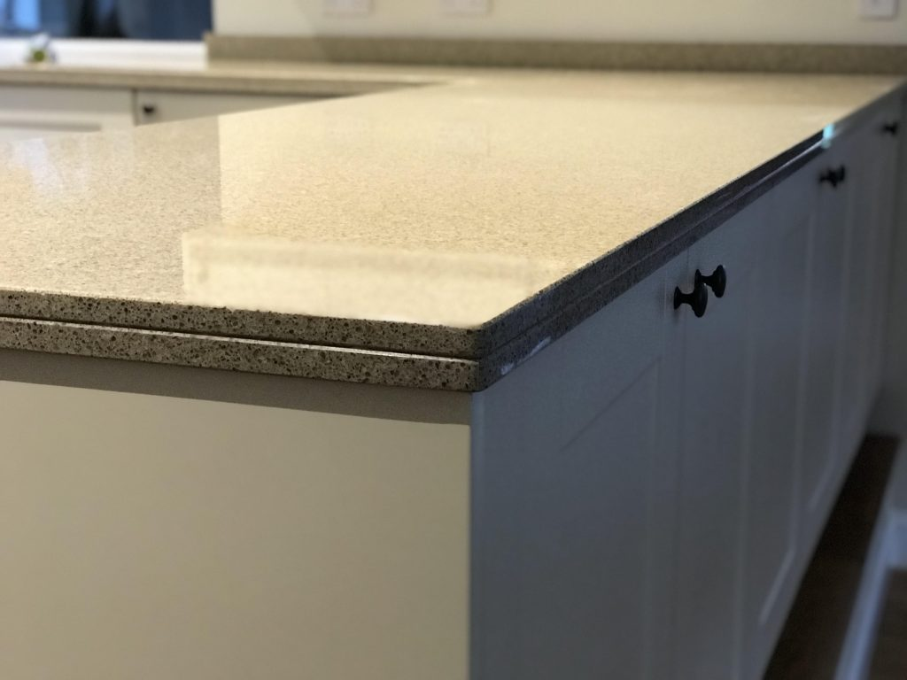 Cimstone Quartz colour Lapaz, 20+20 V-groove edge profile